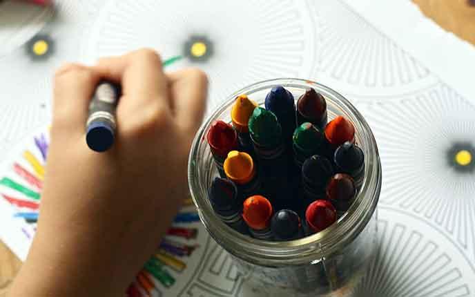 Buntstifte als Kinder Werbeartikel