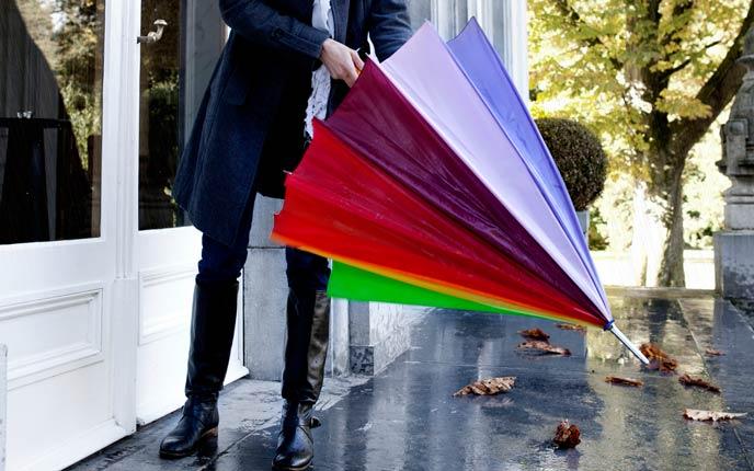 Große Auswahl an Regenschirmen bei allbranded
